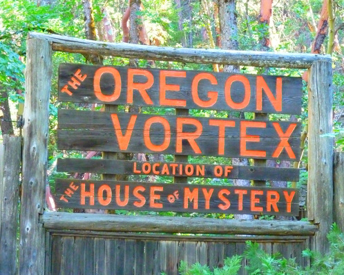 Oregon House of Mystery - Pacific Northwest Road Trip