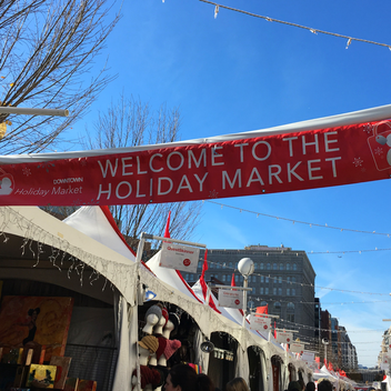 6 Ways to Experience the Holidays in Washington, DC, including shopping at an outdoor holiday market.