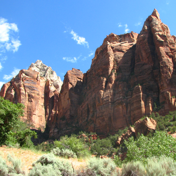 Breathtaking views in Zion National Park. Learn more about visiting Bryce, Arches & Zion on the blog.